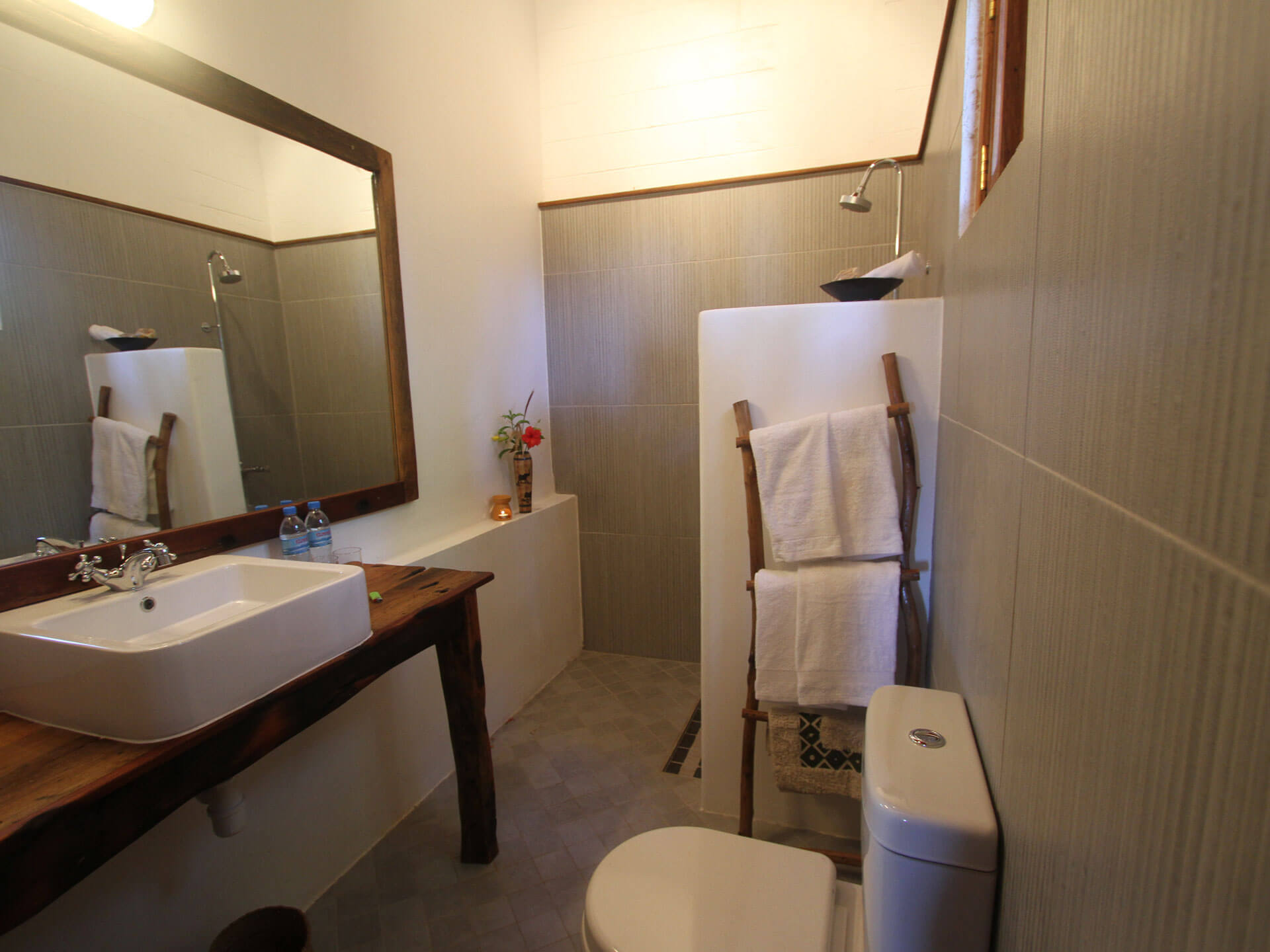 Upepo Garden - Ensuite Bathroom